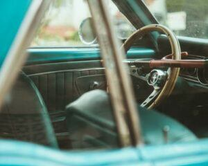 steering wheel locks up